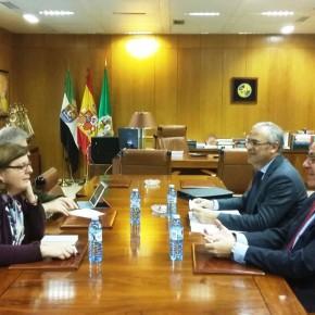 Victoria Domínguez se reúne con el rector de la Uex para conocer las necesidades presupuestarias para este curso