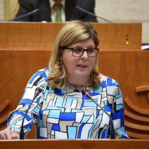 Victoria Domínguez pide a Fernández Vara que cumpla sus compromisos salariales con los funcionarios