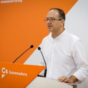 """Cayetano Polo: """"Extremadura sufre un abandono por el PSOE extremeño y por su marca azul de más de 30 años"""""""