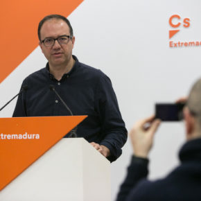 Polo (Cs) exige a Vara que inicie el camino para eliminar burocracia e incentivar a los autónomos de la región